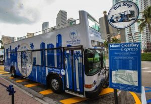 Ciudad de Miami estrena bus que conecta el Downtown con South Beach por $5.00 la ida