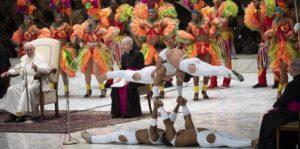 El papa Francisco agradece a los artistas del Circo de Cuba por gran espectáculo en el Vaticano