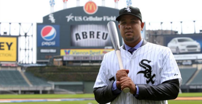 El cubano José Abreu ganará 16 millones, tras firmar por otro año con los Medias Blancas de Chicago