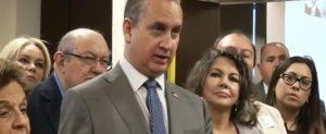 Mario Díaz-Balart celebró posible entrada en vigor del Título III de la ley Helms-Burton