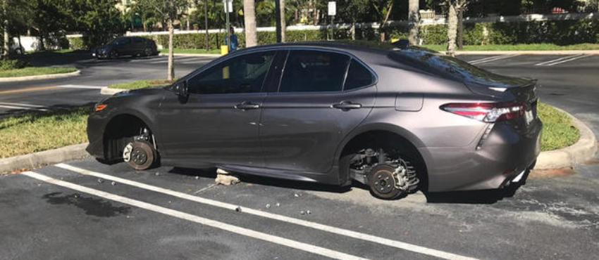 Roban ruedas de autos en un complejo de apartamentos en Doral