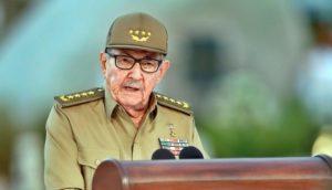 """Raúl Castro llama a los cubanos a prepararse para los """"peores escenarios"""""""