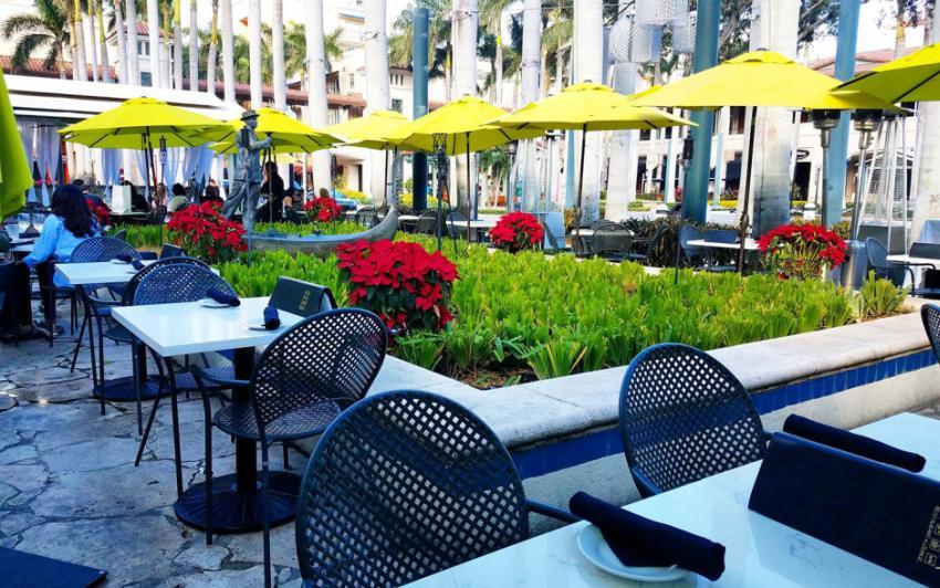 Restaurante Sawa en el centro comercial Merrick Park en Coral Gables con 30 violaciones sanitarias