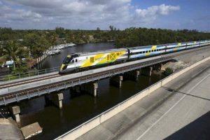 Tren de Brightline impacta a una persona en Fort Lauderdale