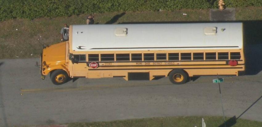 Autobús escolar recibió impacto de perdigones al noroeste de Miami-Dade