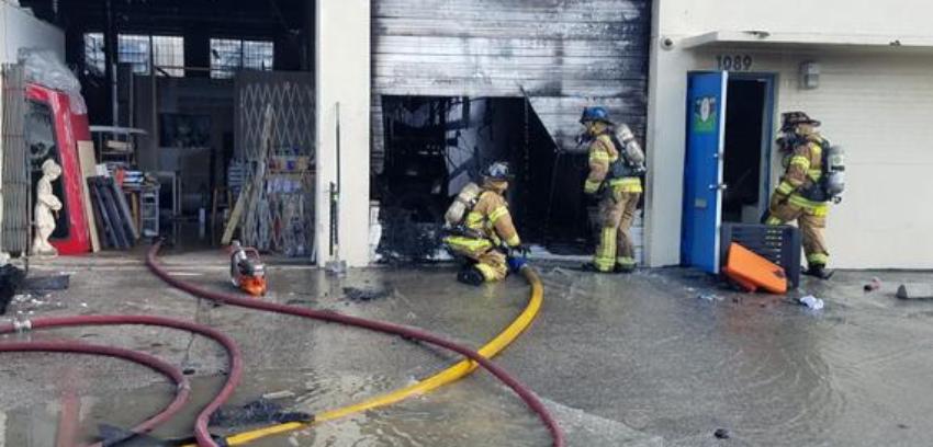 Incendio en un almacén de Hialeah