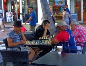 Lincoln Road en Miami Beach necesita mejoras; la ciudad en planes de pedir a negocios que contribuyan mínimo $8 millones