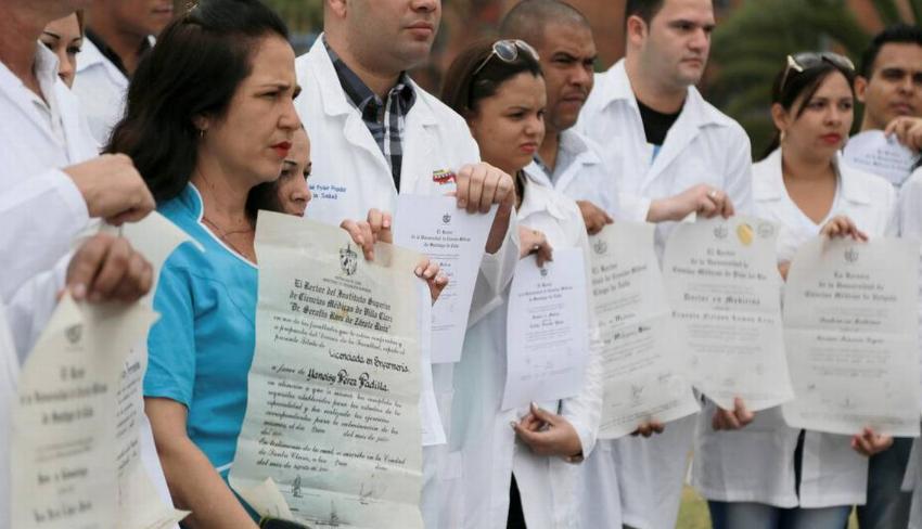 El régimen de La Habana reacciona a la resolución de senadores cubanoamericanos que  busca restablecer el Parole para Médicos Cubanos