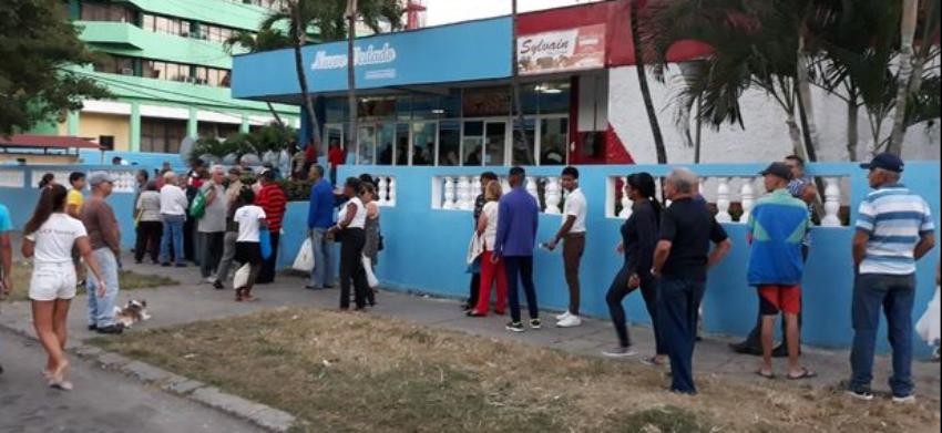 Panaderías estatales en Cuba recurren al boniato ante la escasez de harina