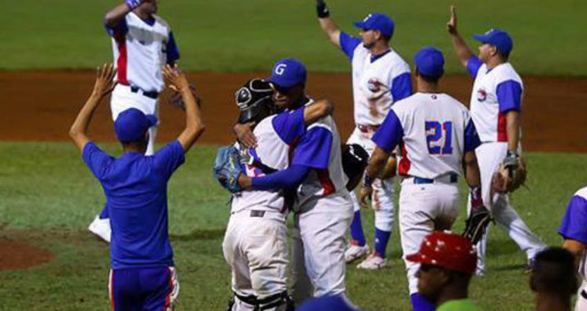 Listado de peloteros cubanos autorizados a firmar por las Grandes Ligas