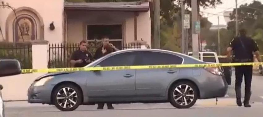 Dos ancianos se encuentran en estado crítico, luego de que fueran atropellados esta mañana en una calle de Miami