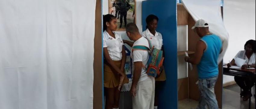 A la orden del día las irregularidades en la jornada del referendo constitucional en Cuba para garantizar el Sí