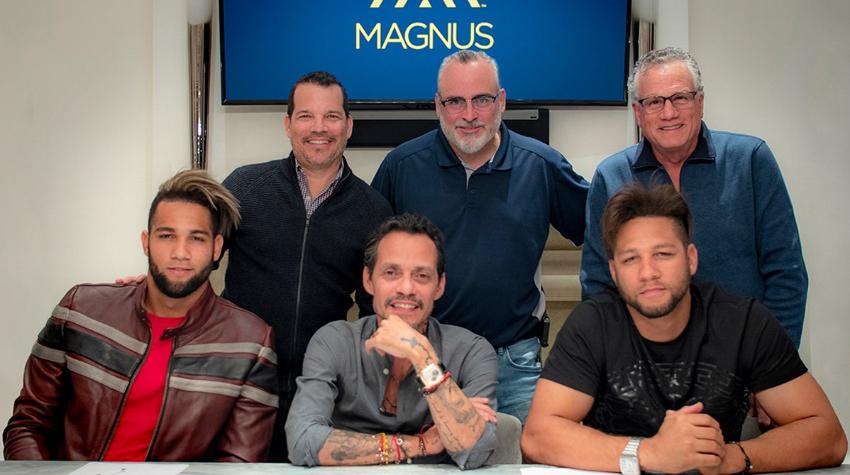 Yulieski y Lourdes Gurriel Jr. serán representados por Magnus Sport de Marc Anthony