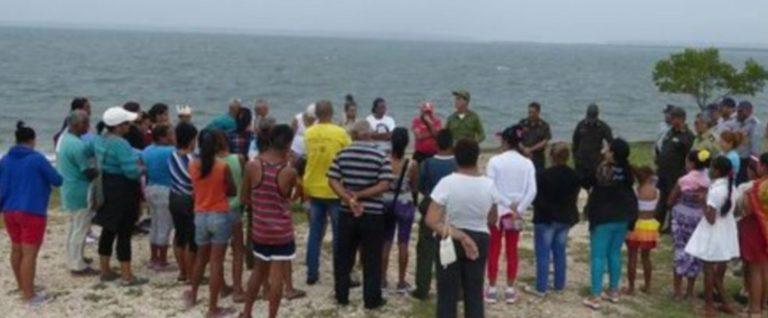 Autoridades en vilo por carteles contra el régimen cubano en Banes y en Mayarí
