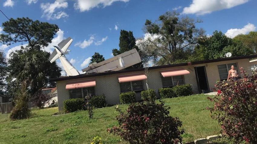 Una avioneta se estrella sobre una vivienda en el centro de Florida; reportan un fallecido
