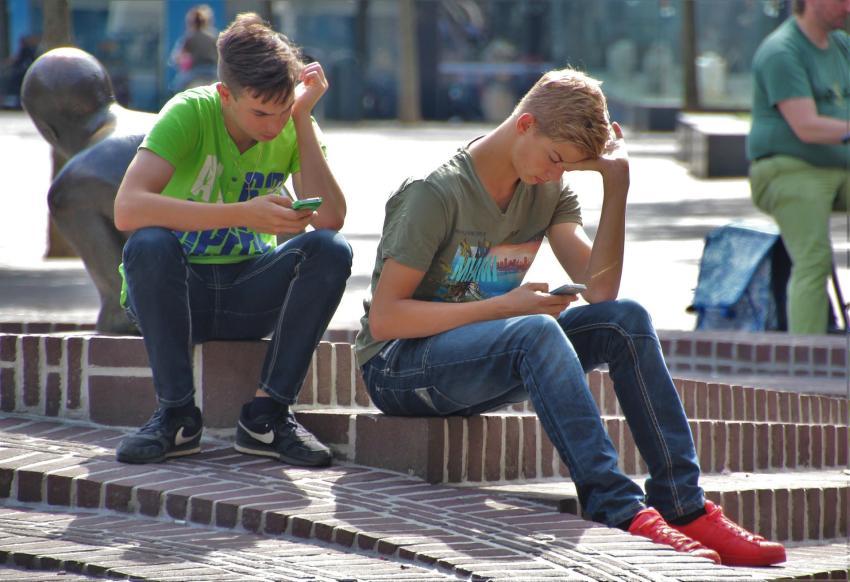 Policía advierte a padres de adolescentes sobre nuevo reto viral que los incita a desaparecer por 48 horas