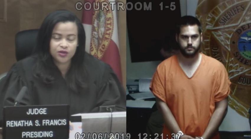 Hispano fue arrestado en Dunkin 'Donuts en Miami por masturbarse frente a una menor