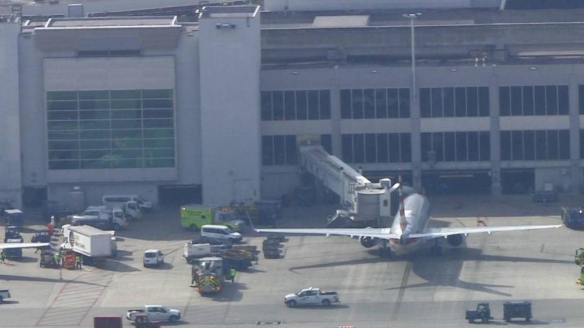 Humo en un avión en el Aeropuerto de Miami provoca caos: Seis personas fueron atendidos por equipos de emergencia