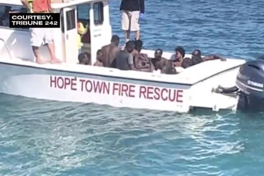 Mueren 28 balseros haitianos después de que su bote se volteara en las Bahamas
