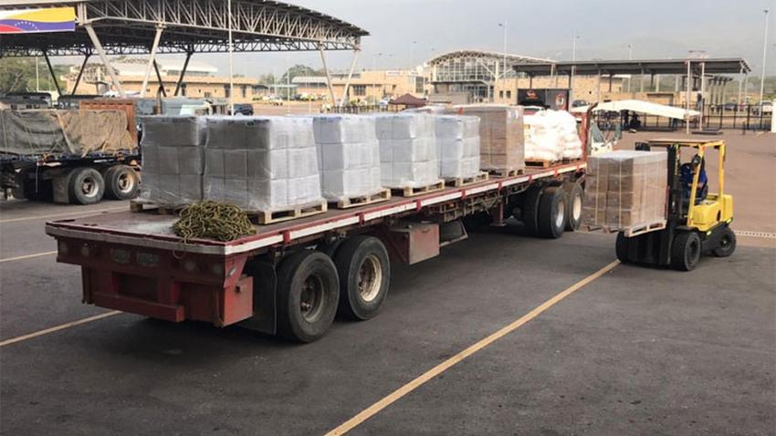 Parte de la ayuda humanitaria a Venezuela regresa a Colombia sin ser entregada