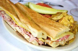Portal Food Network asegura que el mejor sandwich cubano se hace en Tampa en el restaurante Columbia Restaurant