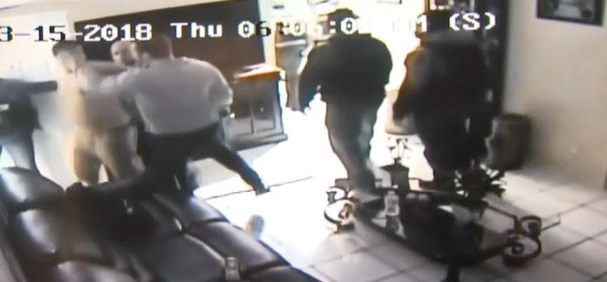 Dos policías de Miami acusados de agresión, y manipulación de evidencias