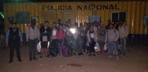 Autoridades en Honduras detiene a 30 cubanos sin documentos que intentaban avanzar hasta Estados Unidos