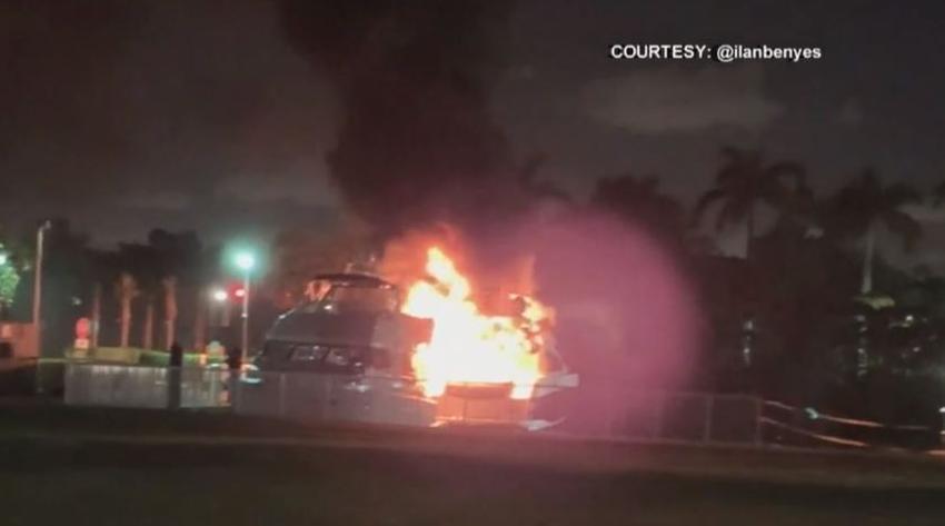 Un yate se incendia en Aventura; vecinos dicen que alguien vivía dentro