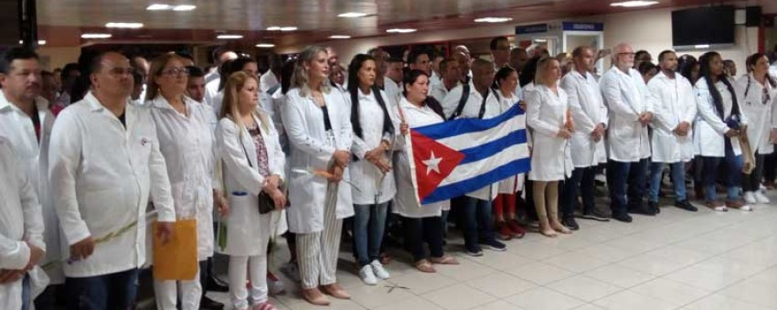 """Washington exige una explicación a la OPS por su rol de """"intermediaria"""" en el envío de brigadas médicas cubanas a Brasil"""