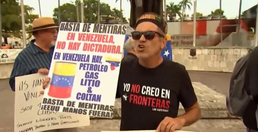 Grupo de personas, entre ellos cubanos, se manifiestan para defender a Maduro en Miami, 'En Venezuela no hay dictadura' aseguran