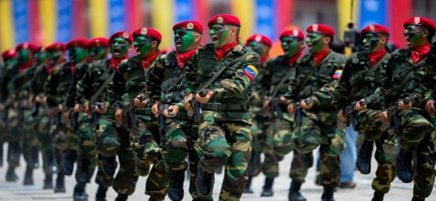 El G2 de Cuba penetró las Fuerzas Armadas que apoyan a Nicolás Maduro en Venezuela, aseguran dos soldados