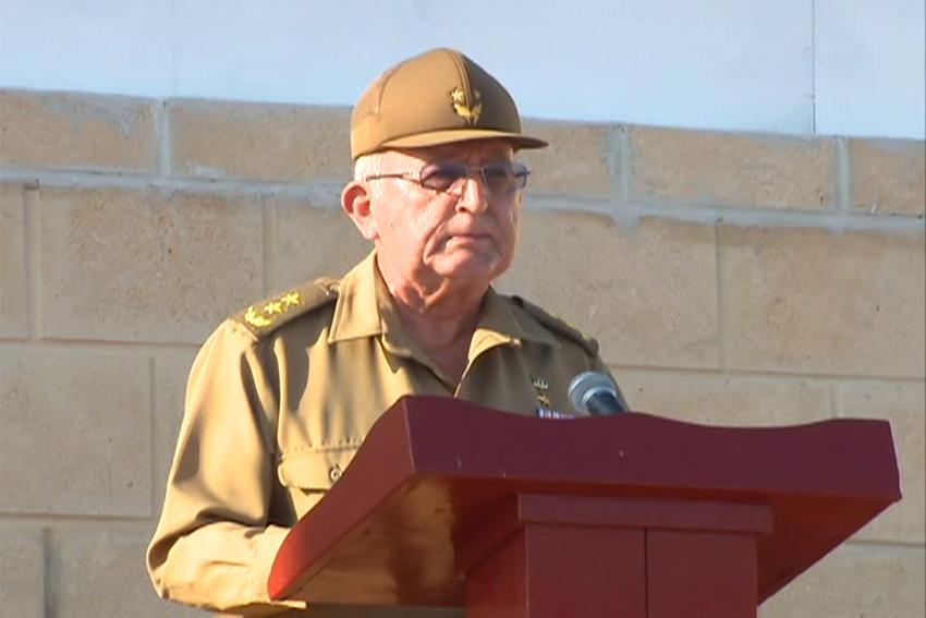 General Ulises Rosales del Toro lamenta no tener el control total de las noticias en Cuba