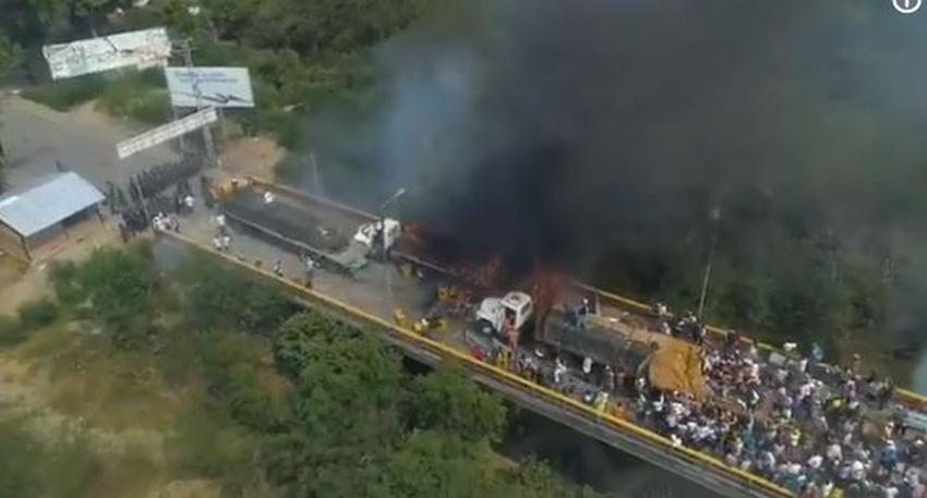 Régimen de Maduro quema camiones de la ayuda humanitaria