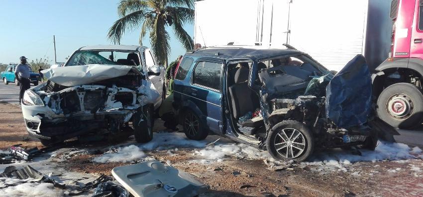 Una fallecida y cuatro lesionados en accidente de tránsito en Jatibonico