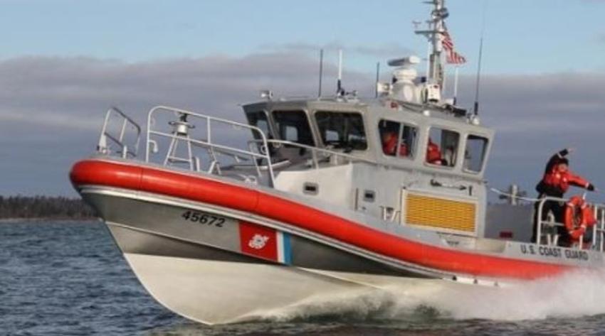 Guardia Costera de los Estados Unidos intercepta grupo de balseros cerca de las costas de Miami Dade