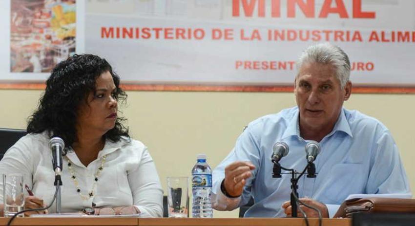 """Díaz-Canel dice que deben garantizarse alimentos económicos para los cubanos, pero con """"calidad"""""""