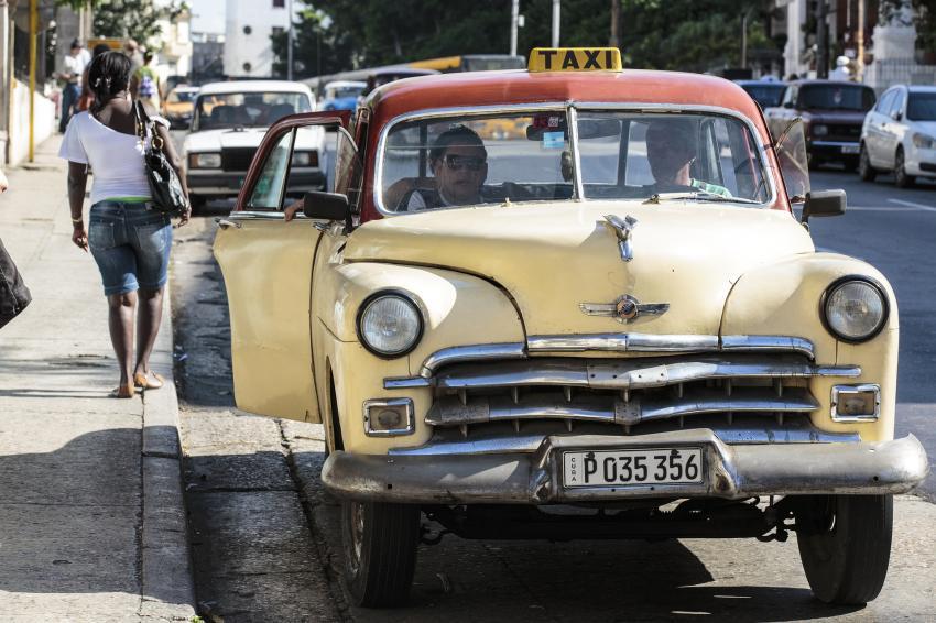 Regulaciones a los boteros en Cuba han provocado una crisis con el transporte aún mayor de la que ya existía
