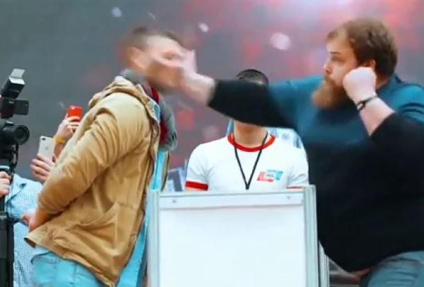 Celebran primer campeonato del mundo de bofetadas