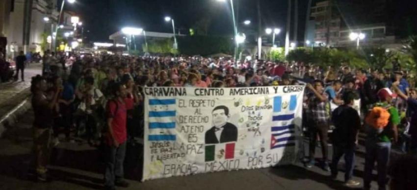 Caravana de 700 migrantes cubanos viene rumbo a EEUU desde México