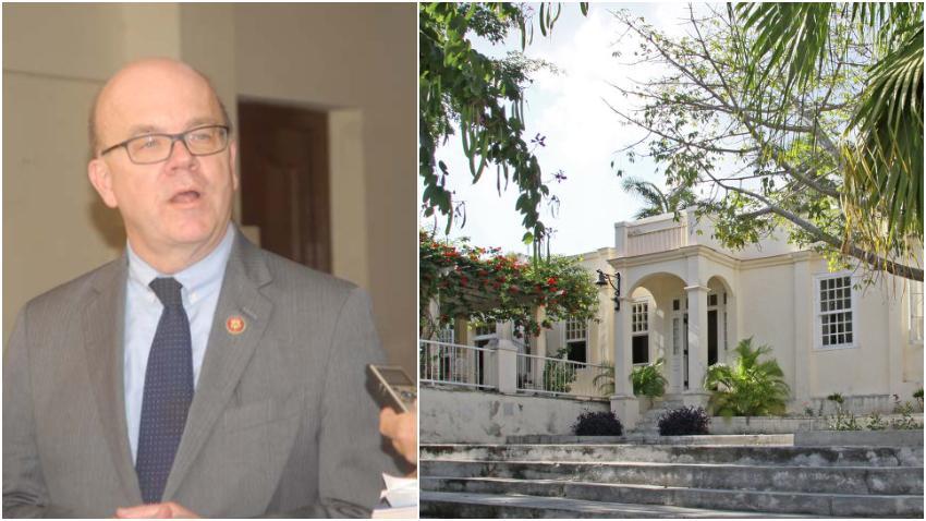 Congresista Demócrata de visita en Cuba inaugura centro para preservar la obra de Hemingway