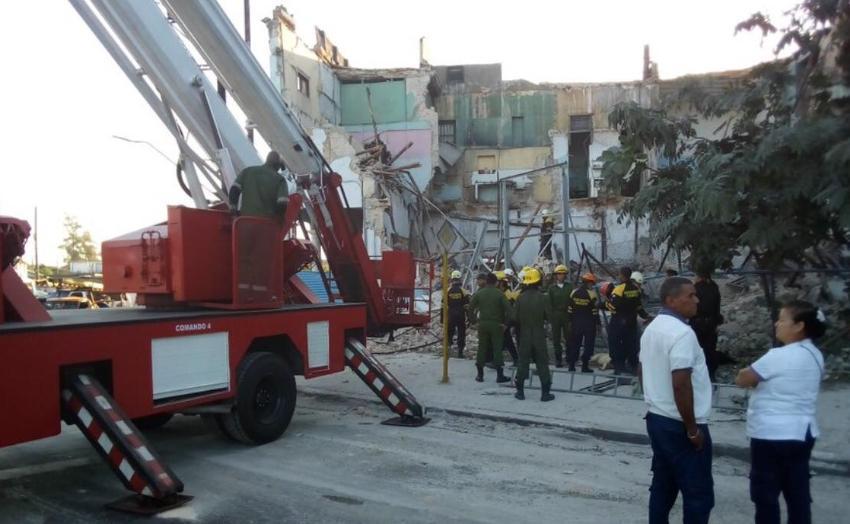 Un fallecido tras derrumbe de un antiguo edificio en la Calzada del Cerro y Boyeros