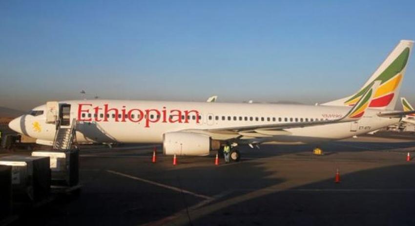 Avión Boeing 737 se estrella con 157 personas a bordo, no se reportan sobrevivientes