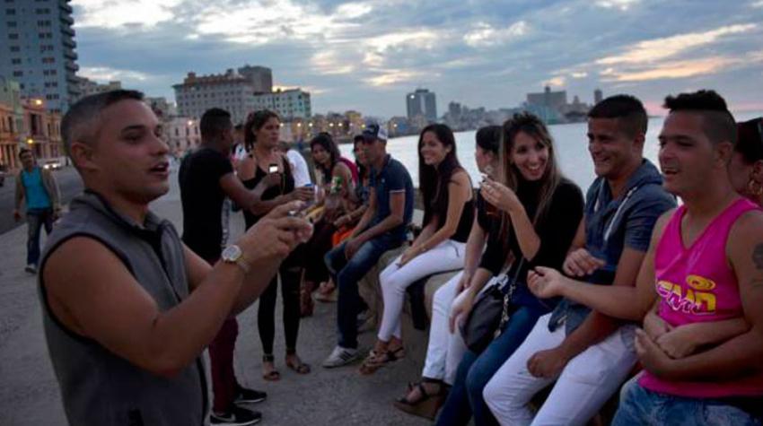 Jóvenes cubanos cada vez menos interesados en militar en la UJC