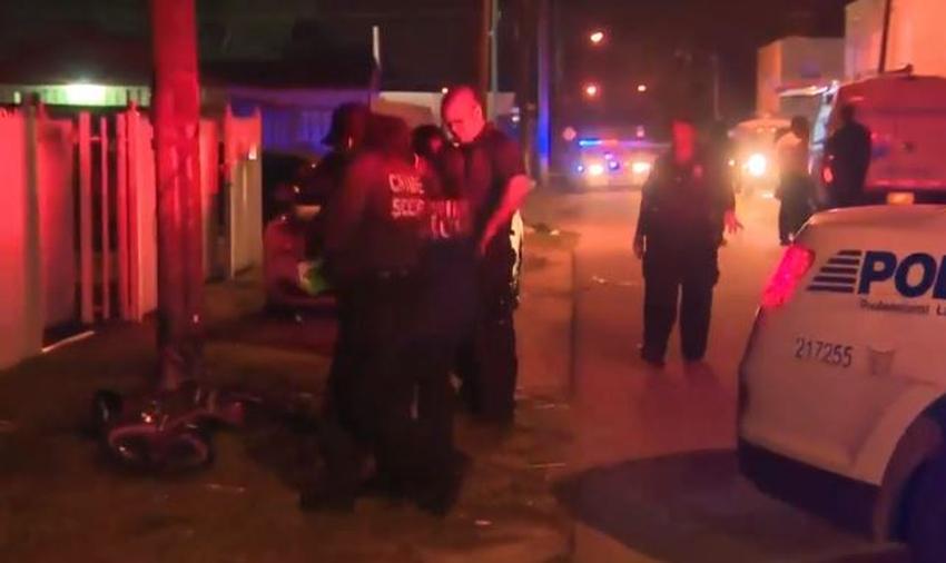 Hombre recibe varios disparos mientras estaba sentado en un carro en Miami