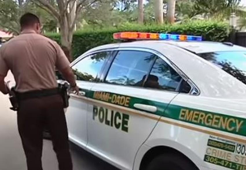 Mujer que llamó al 911 para reportar que había matado a su esposo aún no enfrenta cargos