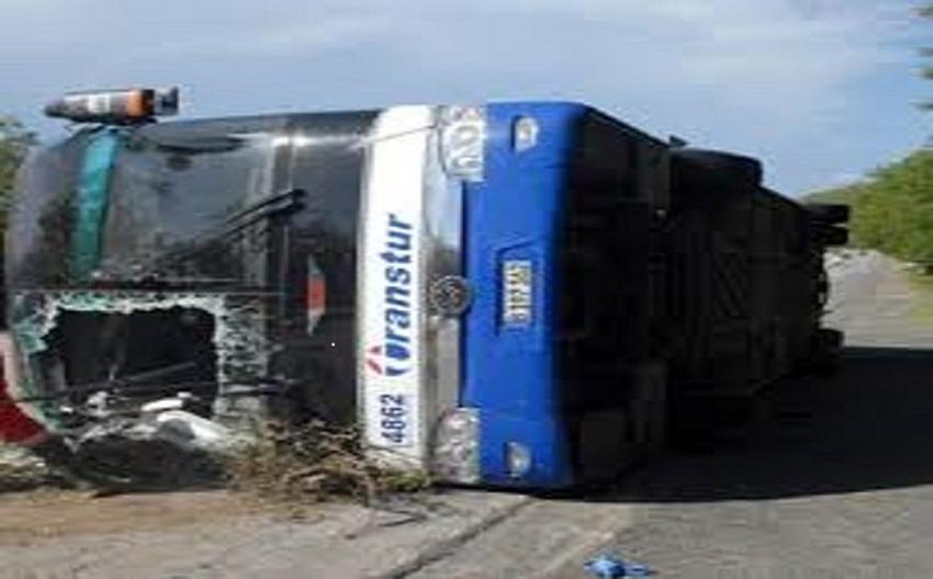 Accidente de ómnibus de Transtur en Cuba deja un muerto y seis heridos