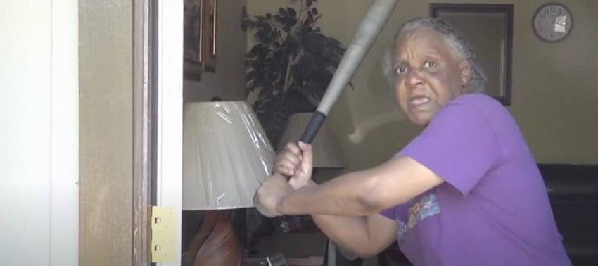 Abuela de Florida golpea a un atacante de 300 libras con un bate de béisbol