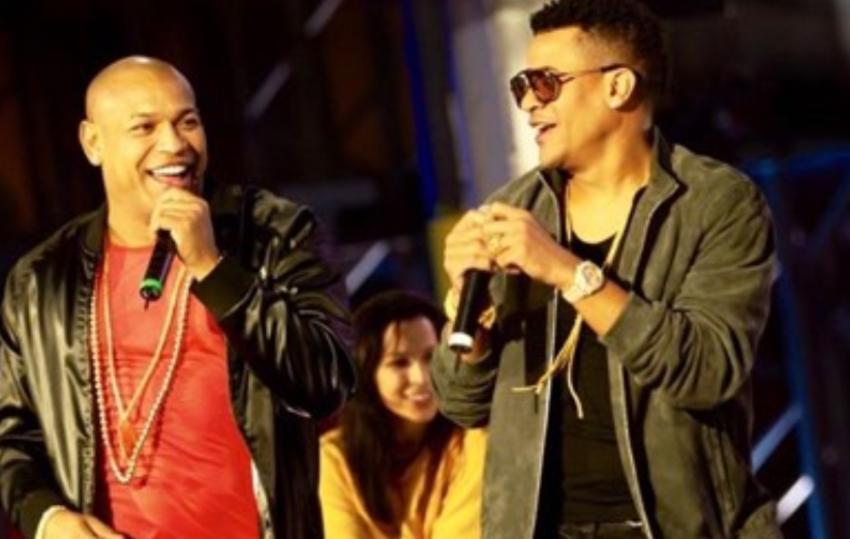 Gente de Zona presentadores  en la 21 edición de los Latin Billboard