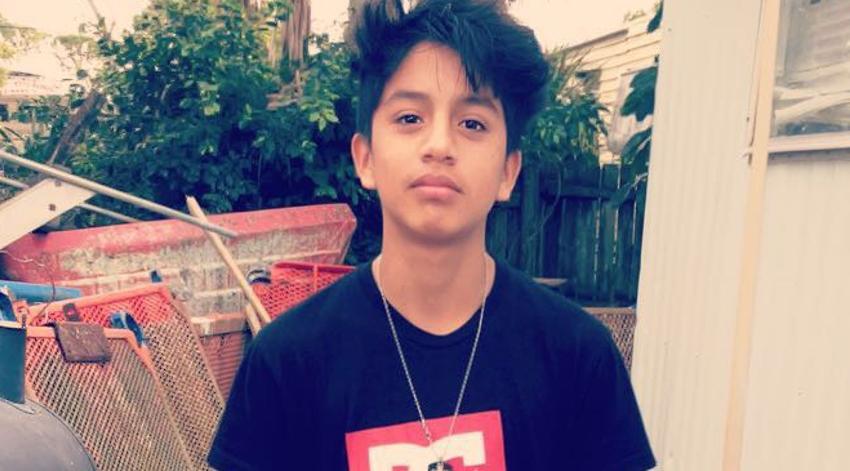 Muere adolescente hispano arrastrado por la resaca en una playa de Florida