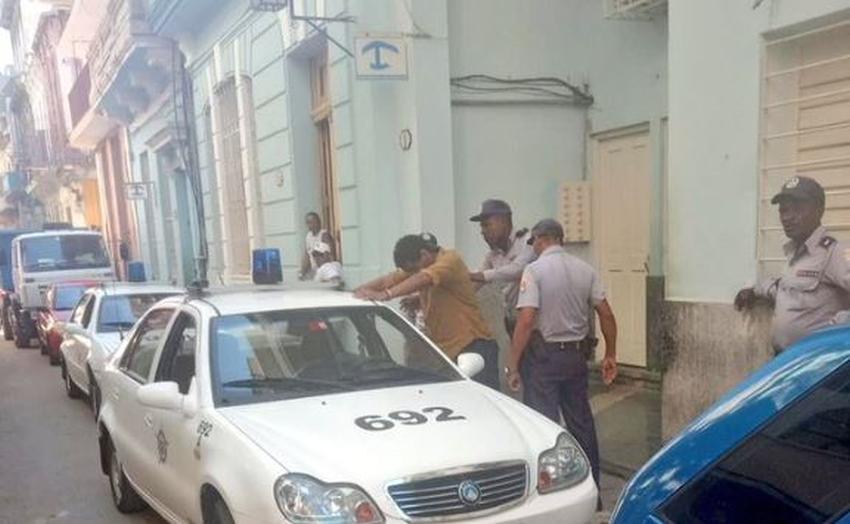 Por tercera vez en dos semanas el gobierno cubano ordena el arrestado del artista cubano Luis Manuel Otero Alcántara